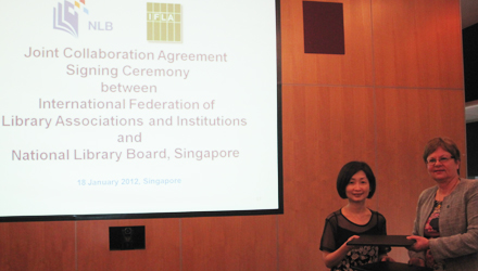 Elaine Ng, CEO NLB and Jennefer Nicholson, IFLA Secretary General