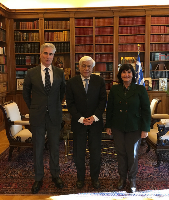 Prokopis Pavlopoulos, President of the Hellenic Republic, with IFLA President Glòria Pérez-Salmerón and IFLA Secretary General Gerald Leitner